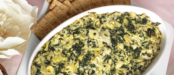 Easy Spinach-Artichoke Dip with Cheese