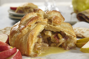 Brie en Croute with Apples and Pears