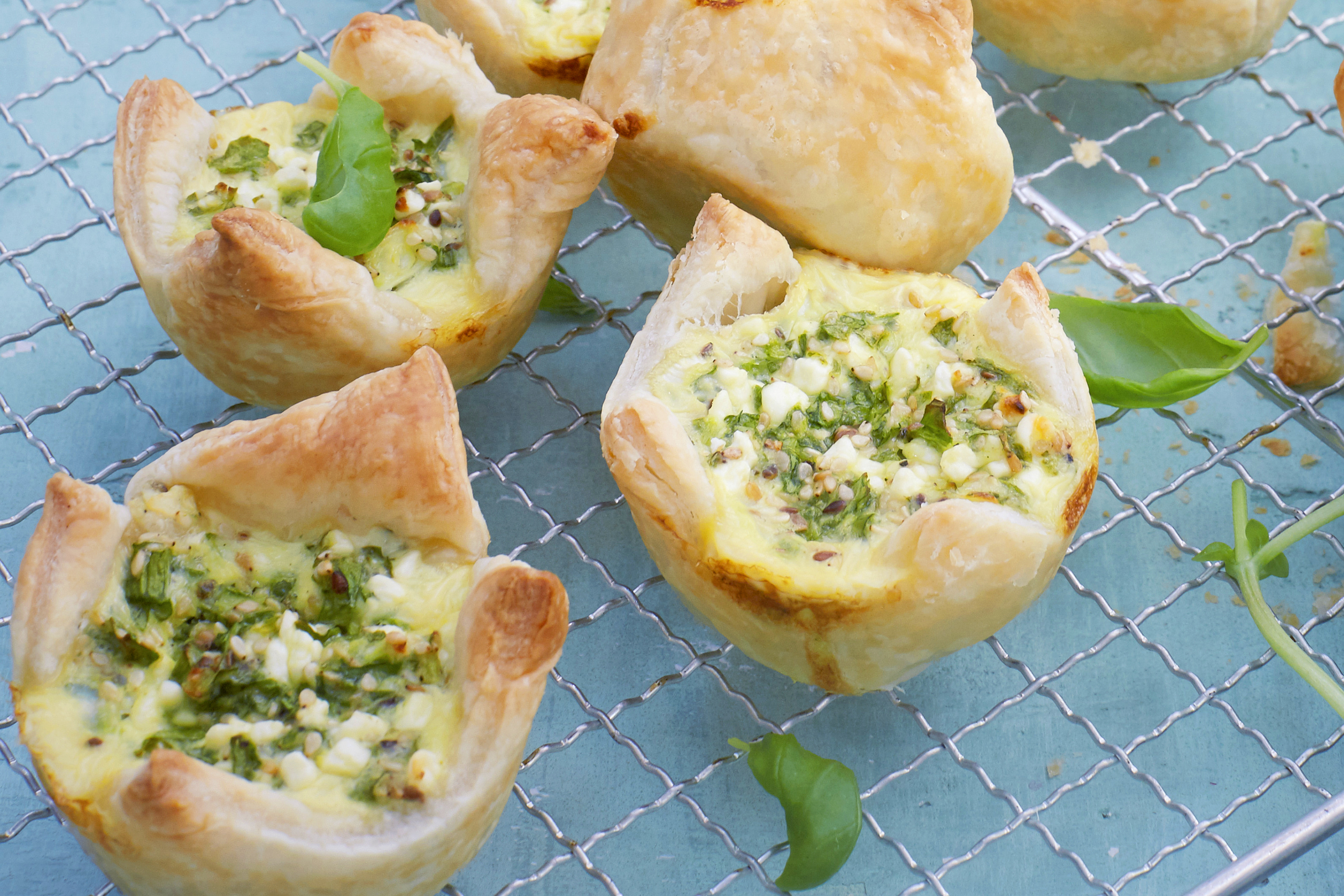 Savoury Puff Pastry Spinach-and-Pesto Bites Image 1