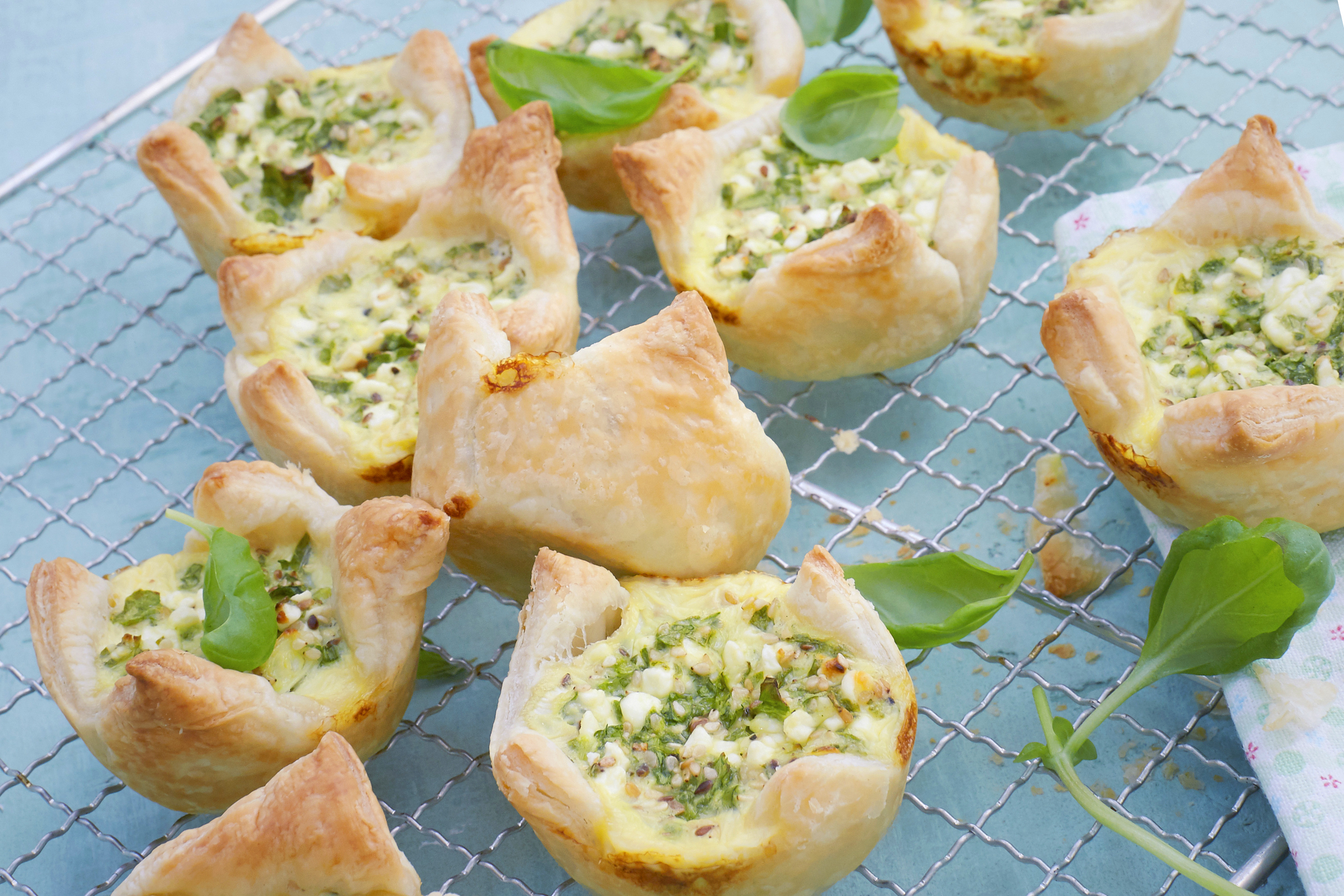Savoury Puff Pastry Spinach-and-Pesto Bites Image 2