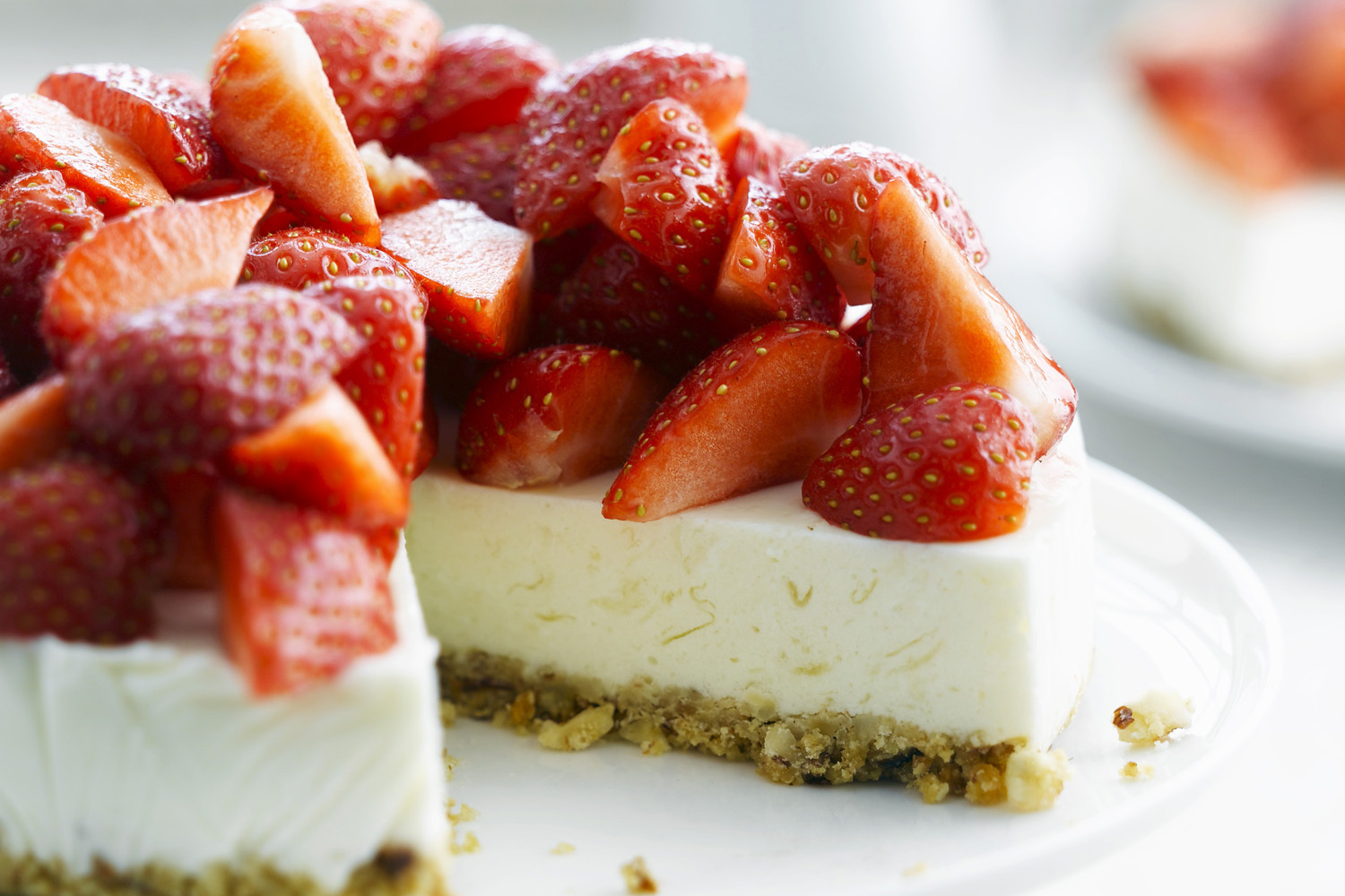 No-Bake Strawberry and Pineapple Cheesecake