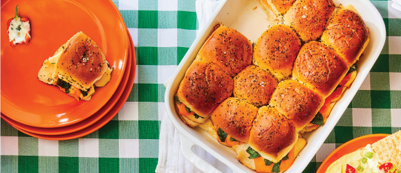Baked Chicken and Cheddar Sliders