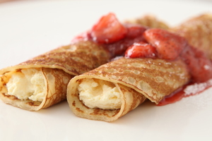 Creamy Cheesecake-Filled Crepes